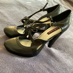 Dollhouse Mary Jane black Pump Size 8